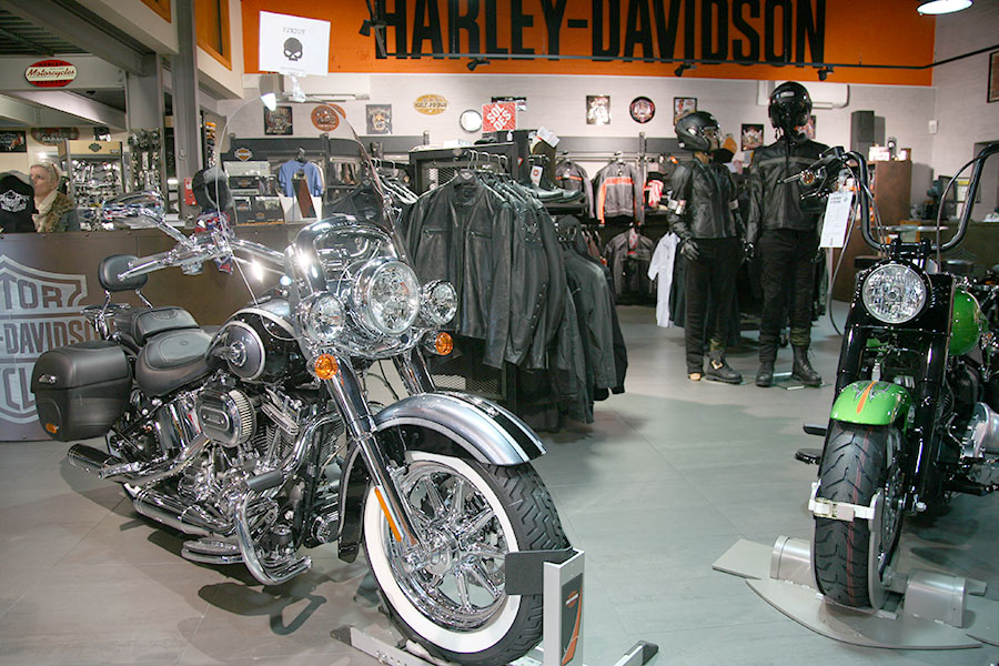 la concession harley davidson de quimper harley davidson quimper. Black Bedroom Furniture Sets. Home Design Ideas